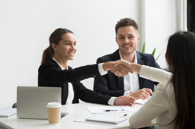 Tìm hiểu về công ty tuyển dụng trước buổi phỏng vấn.
