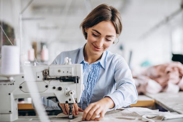 Công nghiệp may mặc sử dụng hàng triệu lao động trên khắp thế giới và tạo ra lợi nhuận được tính bằng tỷ Euro.