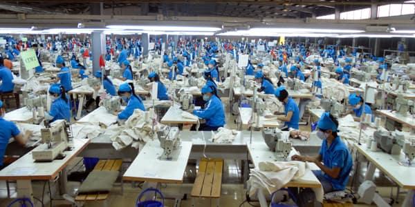Kim ngạch xuất khẩu dệt may Việt Nam tính đến hết năm nay dự kiến sẽ đạt 35,27 tỷ USD