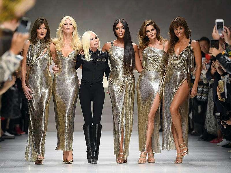 Donatella hiện tại là nhà thiết kế chính và phó chủ tịch của Tập đoàn Versace