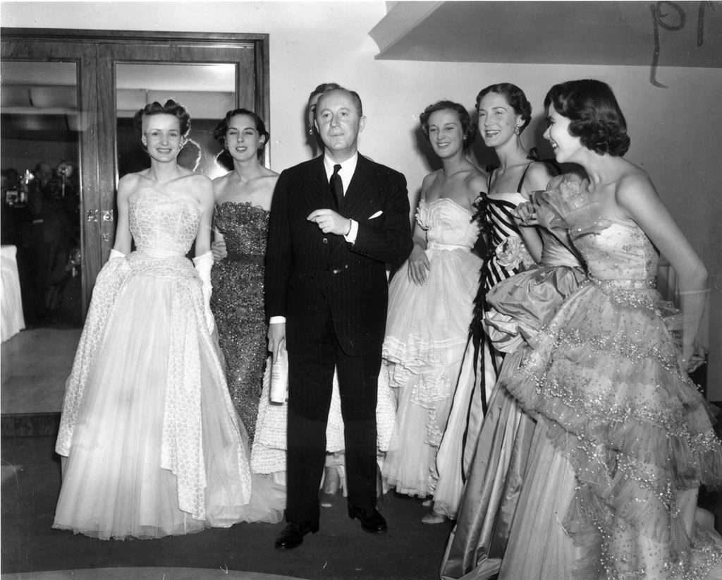 Những thiết kế của Dior là một cuộc cách mạng, đặc biệt trong những năm 40.